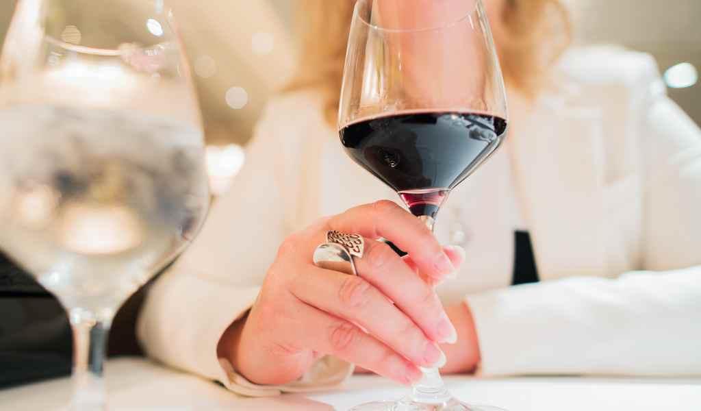 Лечение женского алкоголизма в Софрино анонимно